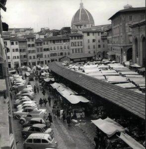 mercato all'aperto dall'alto